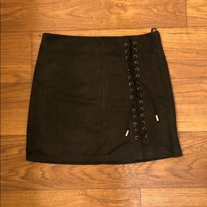 Boo hoo black suede mini skirt